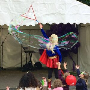 Amazing Bubble performers available for children's Events and Parties