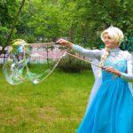 Queen Elsa Lookalike Bubbleology