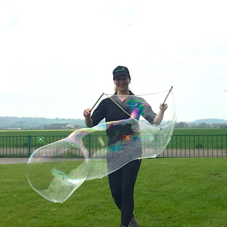 No Theme No Problem Bubble Performer