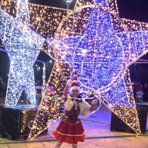 Miss Santa Bubble Performer
